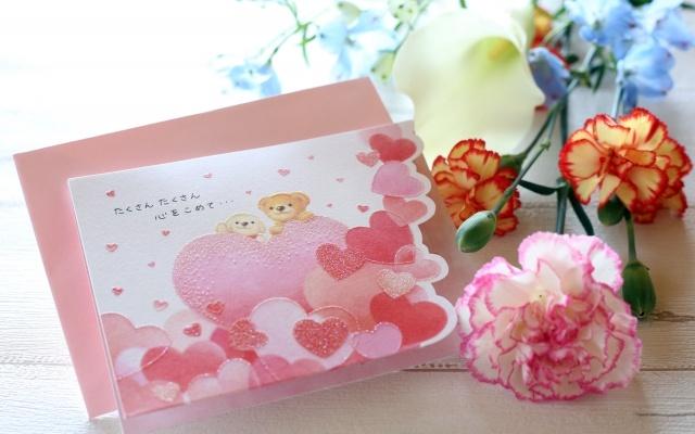 母の日のカードに心込めたメッセージを♪文例や手書きで贈れる花屋も!