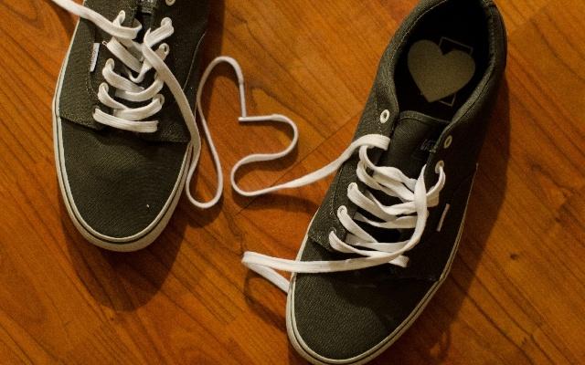 濡れた靴を乾かす方法は新聞紙が大活躍!他の手段や臭い対策も紹介!