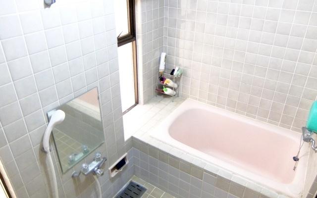 浴室の憎っくきカビを簡単に除去する方法をコッソリ教えちゃいます♪