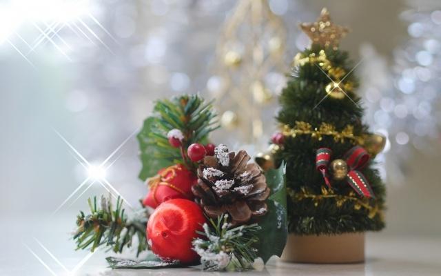 クリスマスオーナメントやツリーは終わるとじゃま!簡単収納方法は?