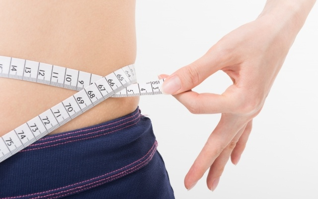 腹斜筋を鍛えてくびれを作ろう♪簡単筋トレで長続きを目指せ!