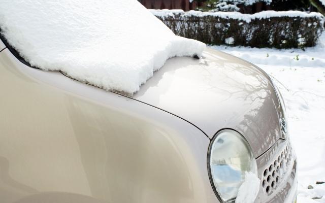雪の中に車を放置しても大丈夫?いざというときに知っておくと便利です