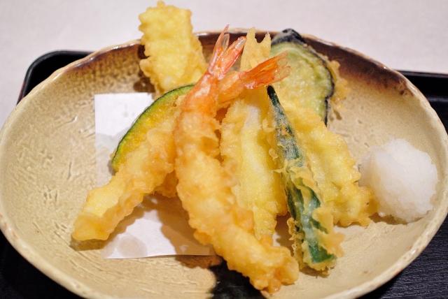 冷凍保存した天ぷらをサクサクの状態に解凍するコツとは?