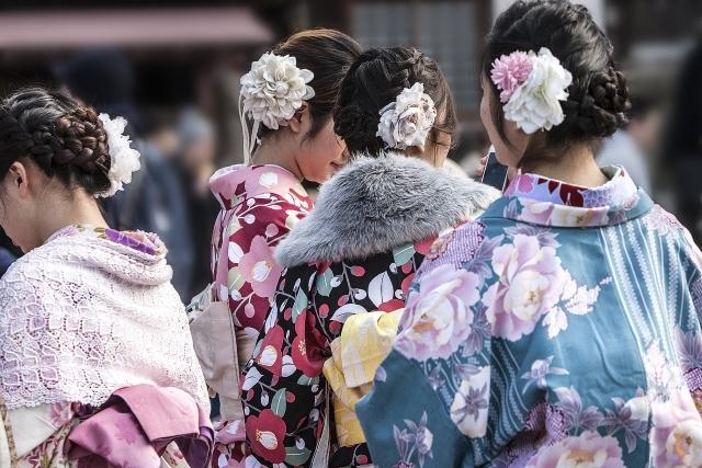初詣の着物は着付けは予約必須!美容院なら髪も一緒にセット♪